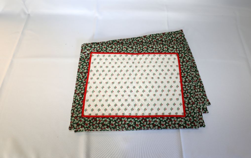 Holly Placemats, Cloth