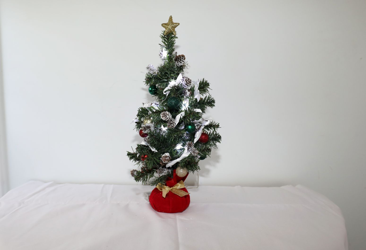 Tabletop Tree, Lighted Battery Pack with Red Base | 18 inches
