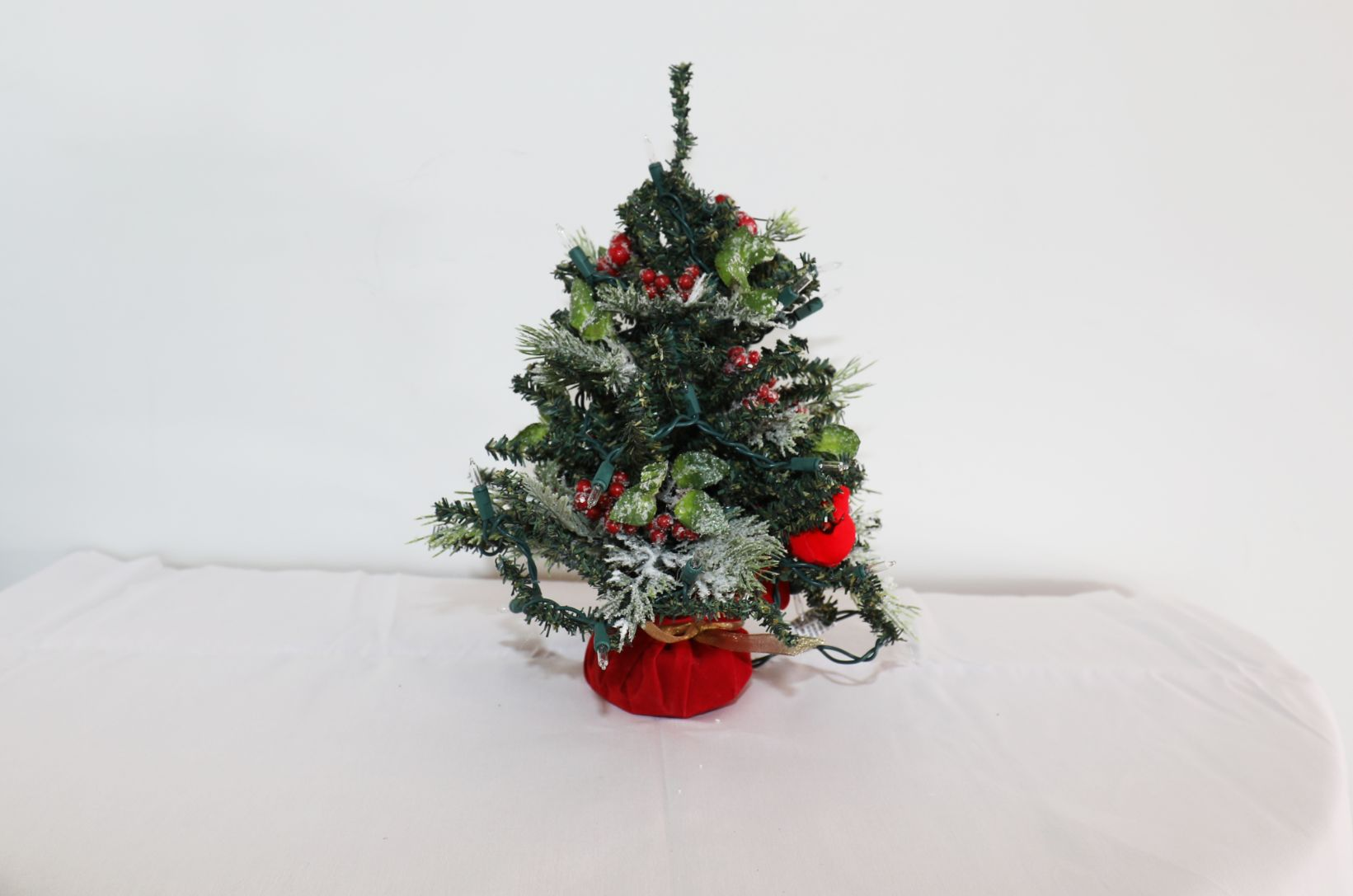 Tabletop Tree in Red with Cardinal, Plug Lighted | 20