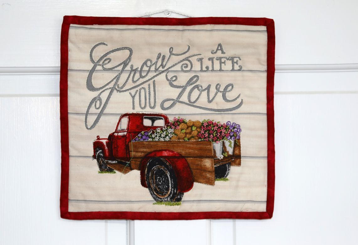 Square Quilted Wall Hanging, Grow a Life You Love| 10 inches